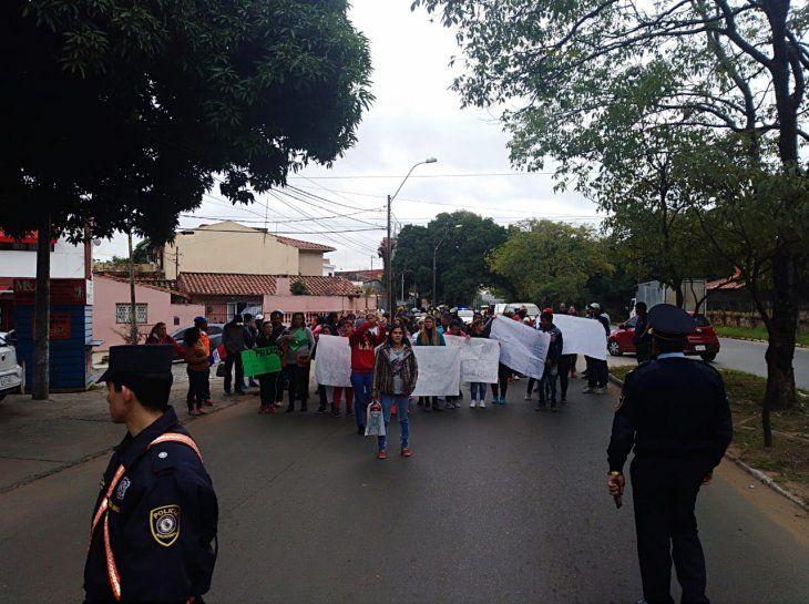 Marcharon hasta la Municipalidad de Asunción.