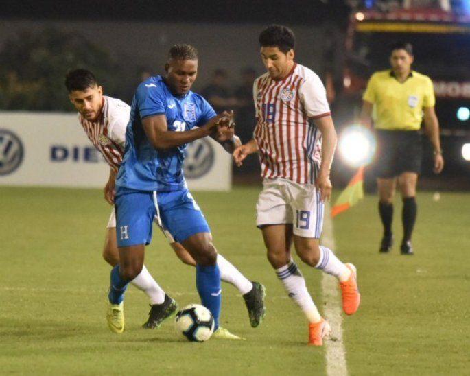 La Albirroja se conformó con un empate ante Honduras.