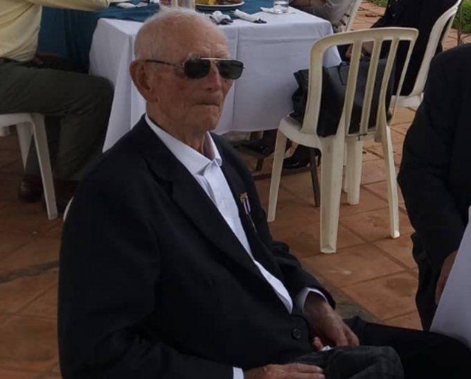 Roberto Villagra cumple hoy 102 años.