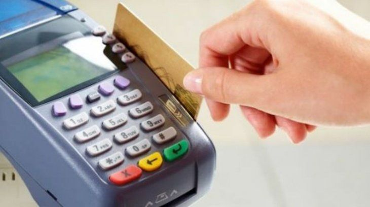 Entre hoy y mañana aseguran que solo recibirán dinero en efectivo en los restaurantes.