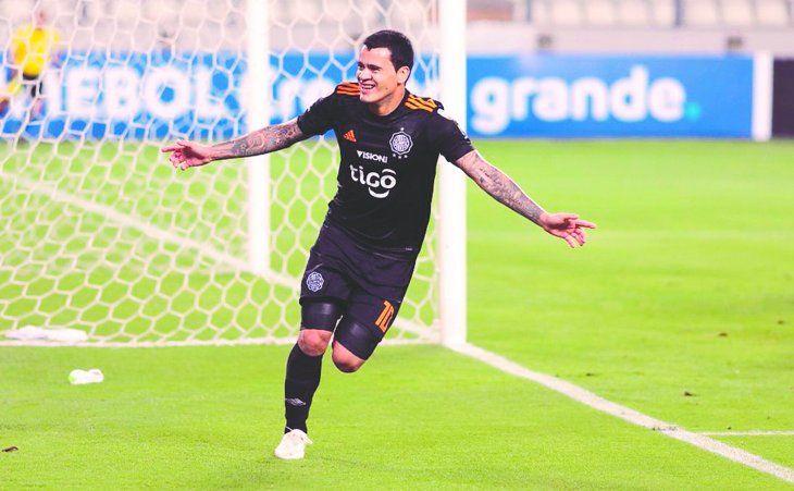 Mendieta es uno de los goleadores del Torneo Apertura junto con Roque Santa Cruz. Foto: Última Hora