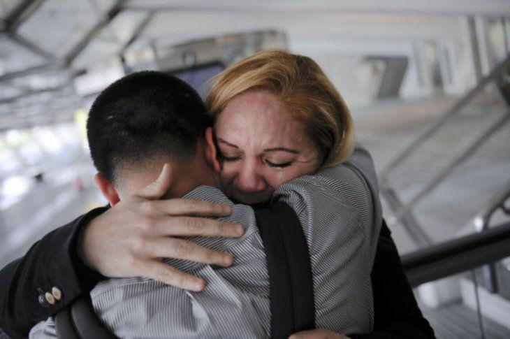 Los hijos recibieron a su madre con los brazos abiertos. Todo mejoró con la llegada de Luisa.