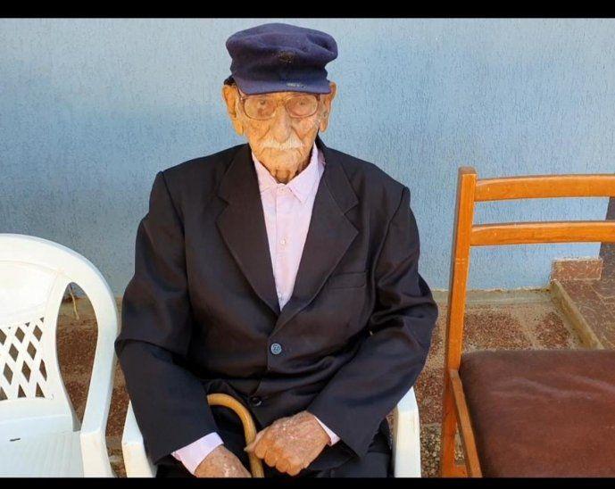 Ramón Caballero fue homenajeado ayer.