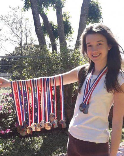 Natasha Hrycan compitió desde el 3er. grado hasta el tercero de la Media en las Olimpiadas Matemáticas. ¡Tiene en total 16 medallas ganadas!