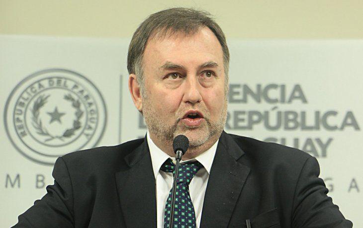 Benigno López es cuestionado por su gestión estando al frente del IPS. Ahora es el titular del Ministerio de Hacienda.