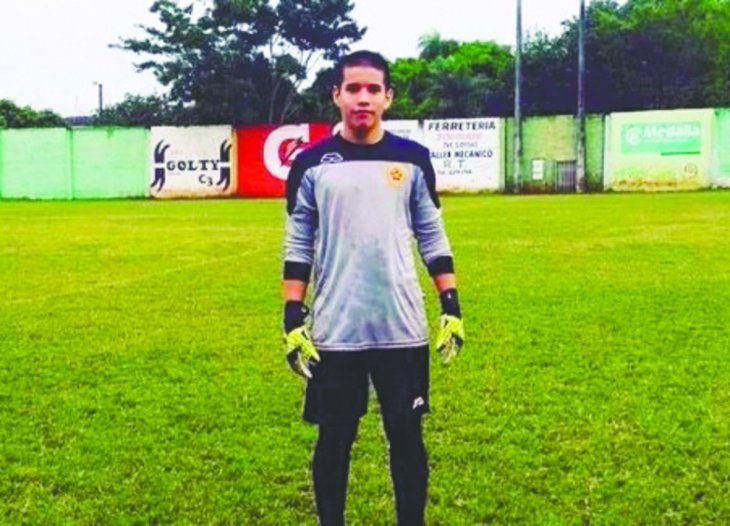 Murió jugando al fútbol con 17 años por una afección cardiaca y no recibió los primeros auxilios. Foto: Twitter