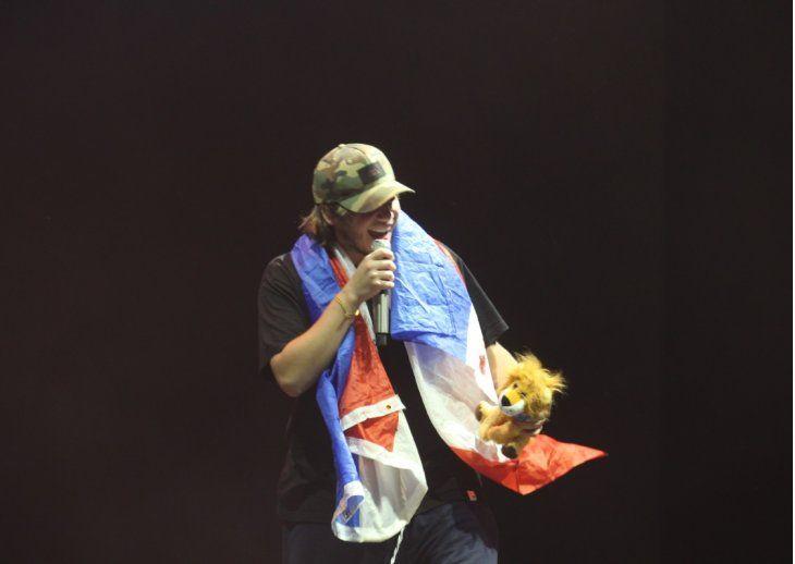 Paulo Londra brilló en Paraguay