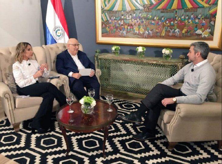 Televidentes felicitaron la labor de Patricia Vargas y Germán Martínez a la hora de entrevistar al presidente Mario Abdo Benítez.