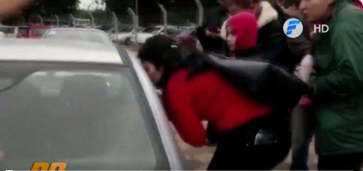 Padres dejaron a su bebé encerrado dentro de un auto en IPS