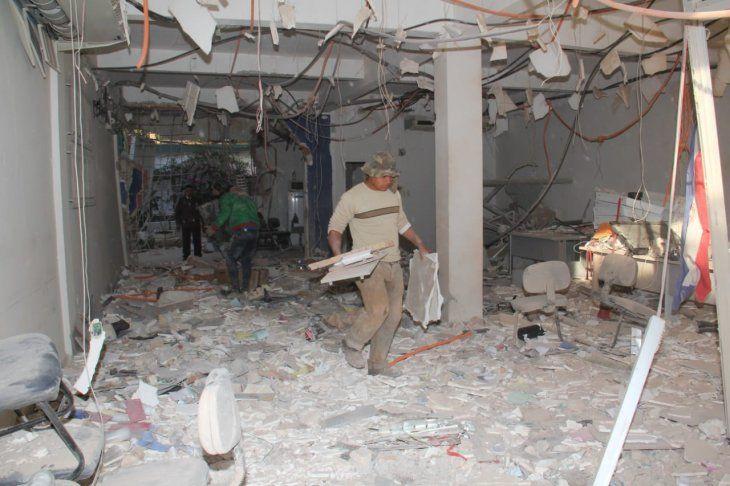 Así quedó el interior del banco tras el violento atraco.