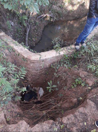 Abuelito cayó desde un puente sin valla ni señalización, se desnucó y murió