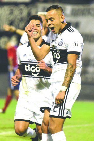 Aunque al principio costó el Decano encontró rápido el camino hacia los goles. Foto: Prensa Olimpia