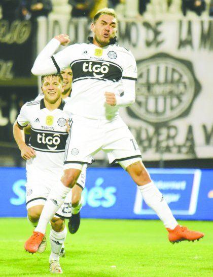 26 goles en 58 partidos suma El Sicario con la camiseta del Decano. Foto: Úh