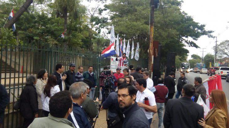 Miembros de SITRANDE exigen que Pedro Ferreira vuelva al frente del ente estatal.