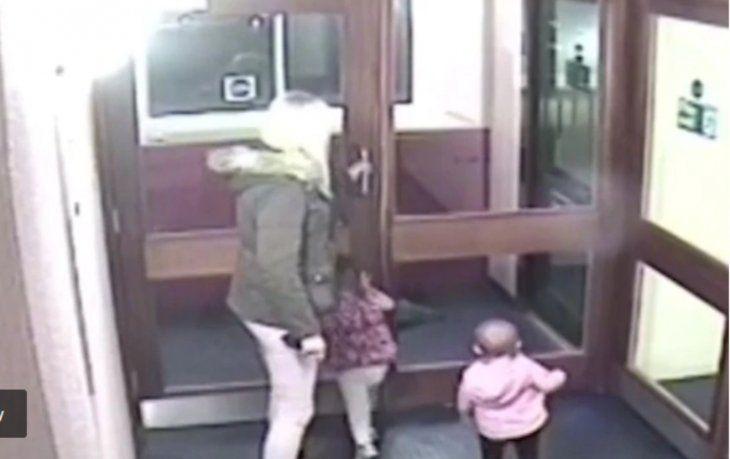Se dieron a conocer imágenes de los últimos momentos de la mujer con sus hijas.