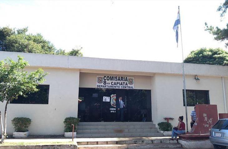 La denuncia contra agentes de la Comisaría 15 de Barcequillo se realizó en la sede de Capiatá. Las víctimas de la estafa