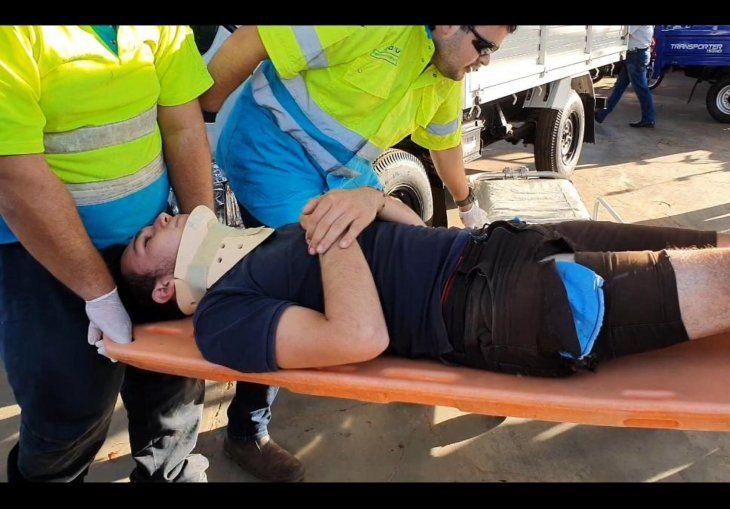 Uno de los motochorros tuvo que ser hospitalizado por las lesiones recibidas en el choque.