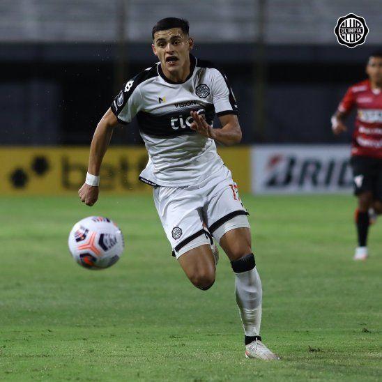 Ídolo Olimpia se ganó un humilde valuarte como Ramón Sosa quien ya se metió al hincha en el bolsillo. (Foto Club Olimpia)