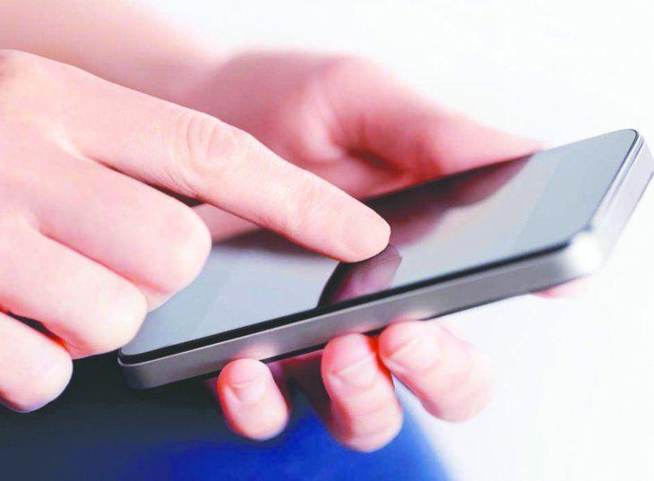 La mujer dijo que su concubino se apoderó de su celular esa madrugada y le citó a la víctima a un encuentro.