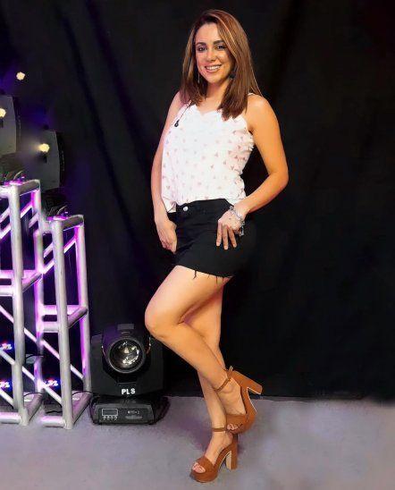 """Vivi Figueredo puso incómoda a Simone Villar al contar que llegaron a compartir un pretendiente que andaba detrás de todas las cueronas del momento. Figueredo aseguró que nunca anduvo con ninguno de esos galanes. """"Yo era amiga de esos de que salían con todas las modelos y también recibía regalos"""""""