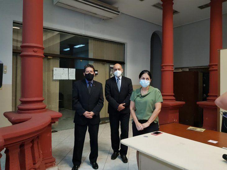 Investigadores del caso de la niña desaparecida de Emboscada.