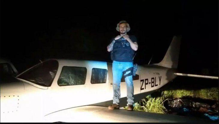 Avión de narco paraguayo es convertido en un monumento en Brasil