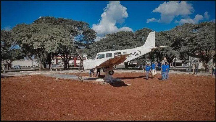 Esta avioneta es como un símbolo contra los criminales