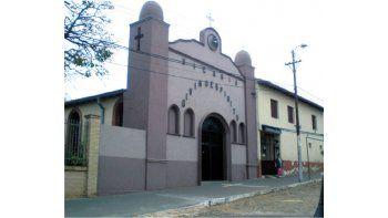 La vicaría Divino Espíritu se encuentra en una populosa zona del barrio San Vicente, de Asunción, muy cerca del mercado 4, adonde acudían los menores, cuyos padres hicieron la denuncia.