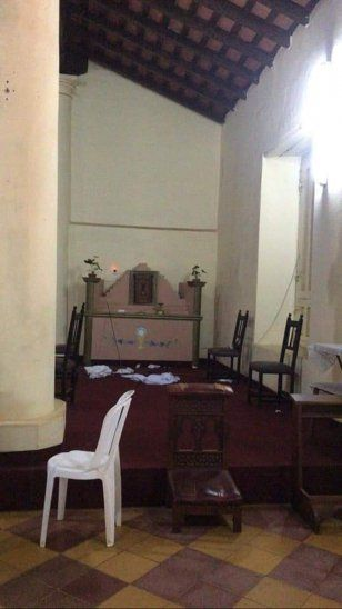 Queman imagen de la Virgen y destrozan iglesia de San José de los Arroyos