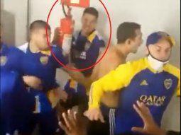 ¡Aijue! Marcos Rojo de Boca Juniors agarró un extintor y amenazó con lanzar contra el equipo contrario. Se acordaron hasta de la mamá del rival. El equipo argentino fue a parar a la comisaría.