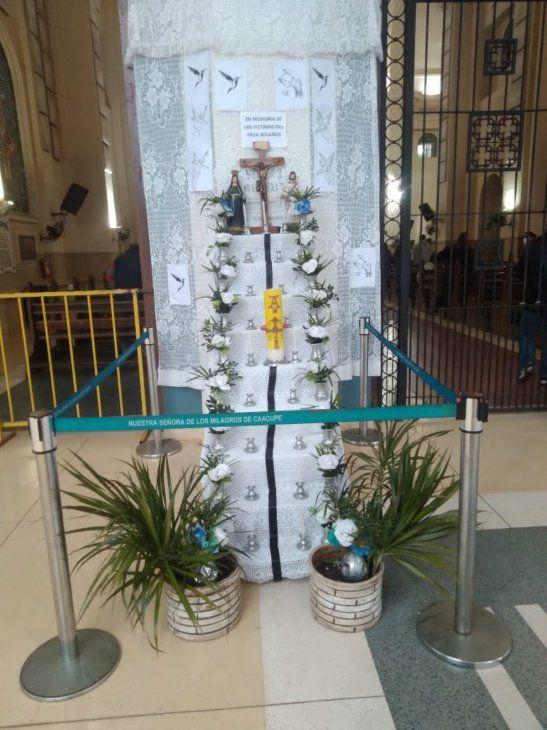 El altar en honor a las víctimas.