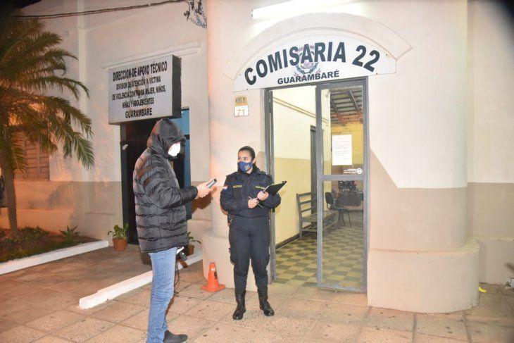 Policías de la Comisaría 22 de Guarambaré intervinieron. Encontraron al denunciado bañado en sangre.