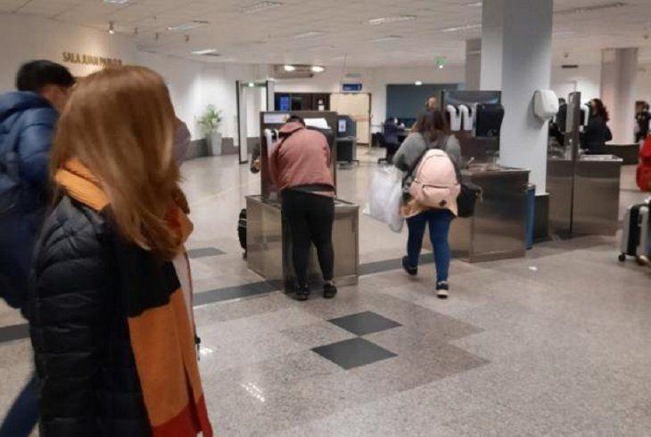 Llegada al país en el aeropuerto Silvio Pettirossi.