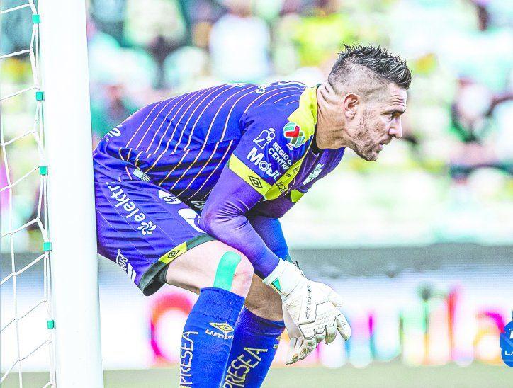 Antony pasa por un muy buen momento en el Puebla y los hinchas lo adoran.