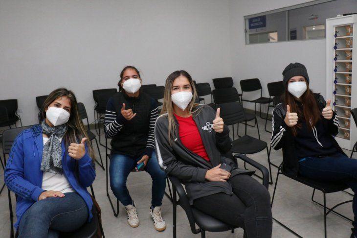 Laschi ya recibieron la vacuna anticoronavirus
