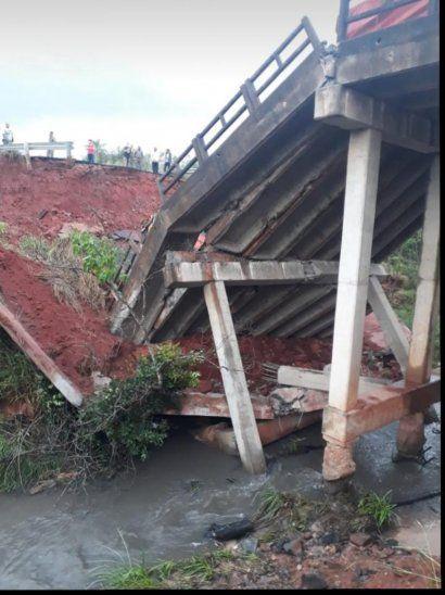 Puente de San Pedro se derrumbó y fallecieron tres personas.