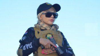 Eli Villagra contó que está practicando y aprendiendo a disparar y manejar armas para poder cuidarse de los malandros, además dijo que le gustaría ser guardia de seguridad VIP de alguna autoridad o trabajar en alguna agencia internacional. El próximo paso para la modelo es hacer el curso de operación y rescate.