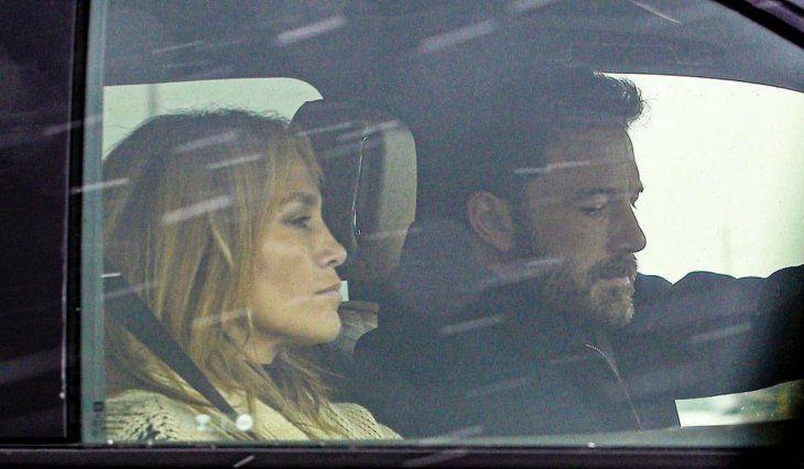 ¿Quién lo diría? Los famosos estaban muy cerquita viajando juntitos en un auto.