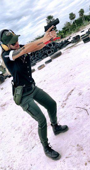 ¡Práctica de tiro y asadacho! Modelos niegan violar la cuarentena