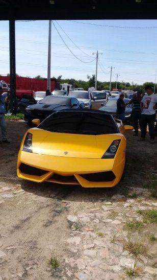 El Lamborghini Gallardo valuado en más de 200.000 dólares puede correr más de 300 km. por hora.