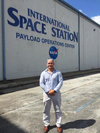 Hernando Gauto en la sede de la Estación Espacial.