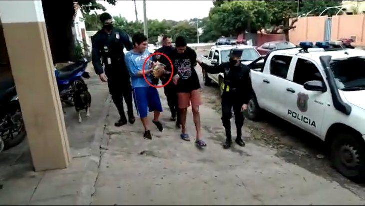 Dos jóvenes quedaron en la comisaría por robo de una gallina