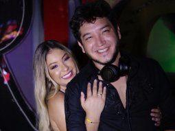 Según cuenta Fátima, ella le conoció a Junior Rodríguez cuando era una nena que buscaba un lugar en la música y en esa época él no estaba casado aún con Dahiana Bresanovich. Eran muy buenos amigos.