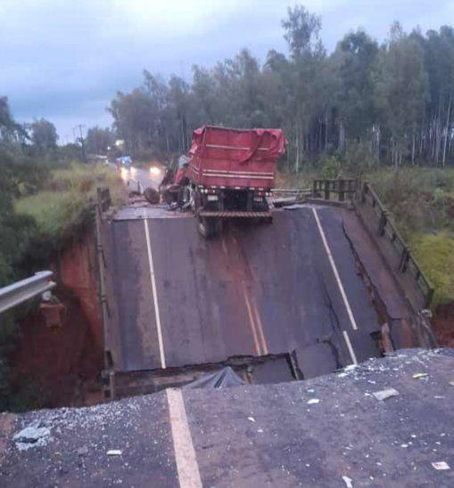 El puente que une Cruce Tacuatí con Tacuatí