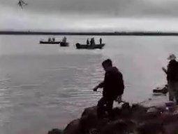 Los medios argentinos se hicieron eco ampliamente del incidente entre marinos paraguayos y pescadores del vecino país. Foto: Captura/ La Nación de Buenos Aires.