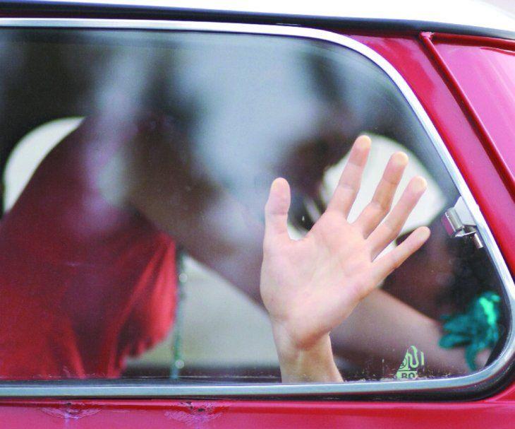 Hacer el chiki inki con los vidrios del auto abajo es considerado exhibicionismo