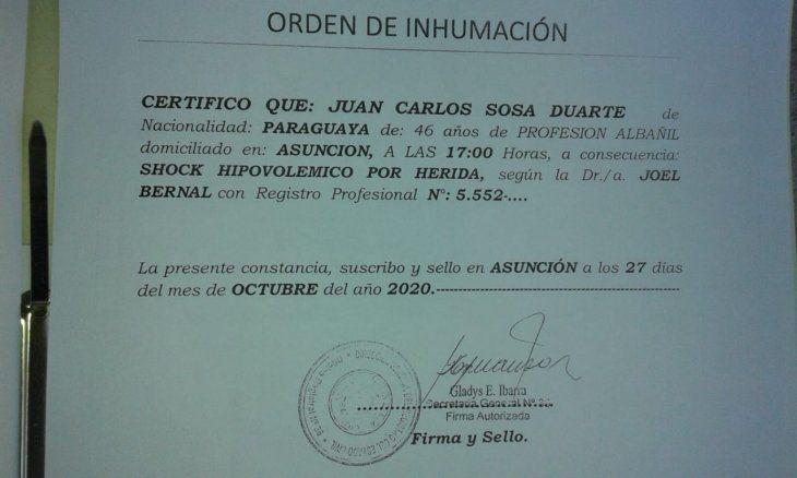 Orden para enterrar al interno Juan Sosa. Le diagnosticaron que murió por un shock hipovolémico.