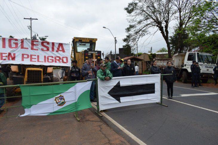 Anuncian más cierres. Foto: Yaguarón Multimedios.