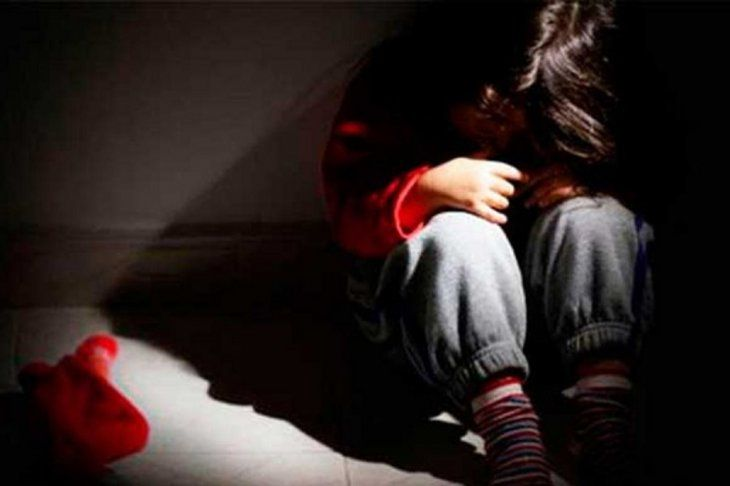 La niña pasó varios años callando el abuso