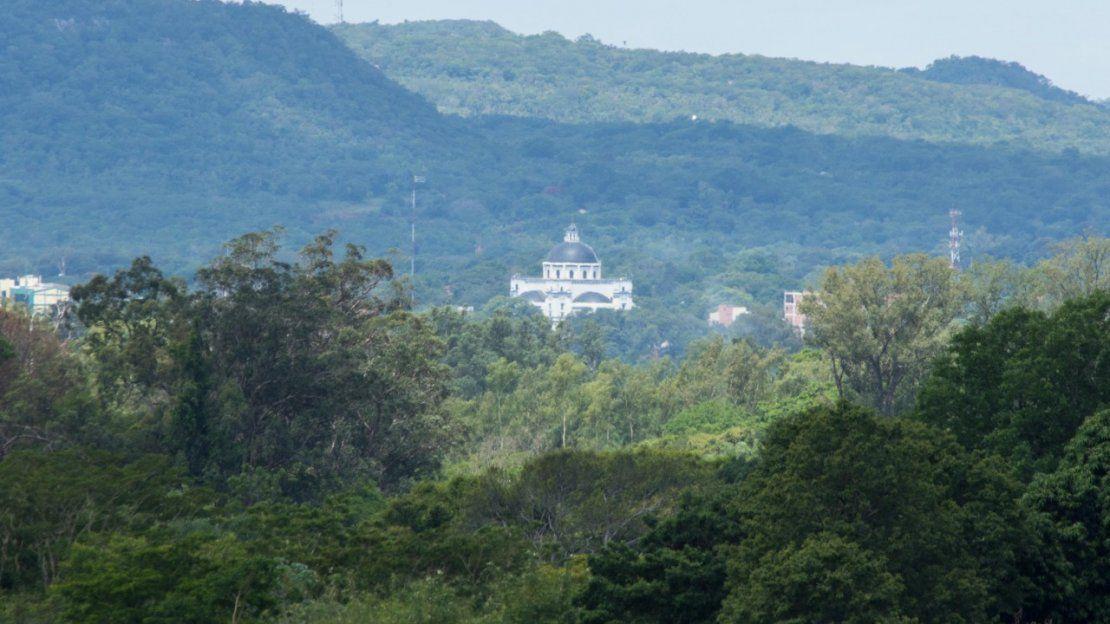 Hermosa vista de la Basílica Santuario de Caacupé
